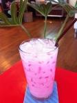 เมนูกาแฟสด ไฮย เวย์ คาเฟ่ นมเย็นสูตรดั้งเดิม ผสมน้ำแดง Iced Pink Milk